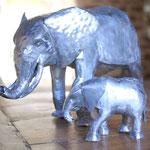 éléphante et son petit zinc brut 18 et 7 cm