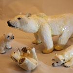 ours polaire et oursons peints 33 et 14cm