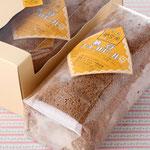 納豆チョコロールケーキ(294円) チョコと納豆の相性抜群!おススメです。