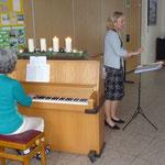 "Adventscafé, musikalische Begleitung durch ""Sang und Klang"""