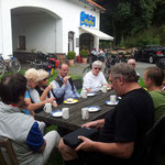 Auf der Fahrt nach Biedenkopf am 14. Juli wird in Caldern eine Rast eingelegt.