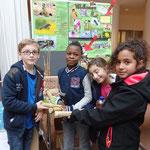 Mit ganz tollen Fragen zum Leben von Wildbienen haben mich diese vier Schüler/-innen überrascht!