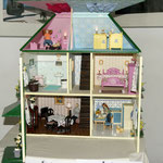 Casa de muñecas que se sorteó entre los visitantes
