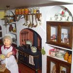 Ristra de ajos de Gema Minayo: Mayvi miniaturas; manopla de Carmeli Sepúlveda; frascos de cerámica para legumbres de Teresa Triviño: Trivi y sus cosas
