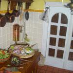 Lechuga de Mª Jesús Chaparro; cuchillos de José Luis Lalana: Miniaturas MJosé; cesta de calamares de Montse Riqué