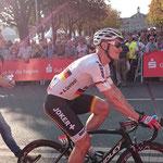 Andre Greipel auf dem Weg zur Siegerehrung