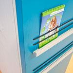 Arztpraxis - Wartebereich, magnetische Fläche für Infomaterial