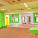 Gymnasium Reutershagen: Schulstraße, Sitzgelegenheiten zum Entspannen