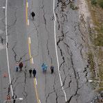 Strassen in Christchurch - entweder zerissen oder überflutet