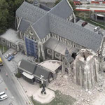 Christ Church Cathedral - Beide Türme eingestürzt und schwere Schäden an den übrigen Mauerwerken