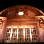 Prominente Uhr Bad Nauheims: die Bahnhofsuhr, kurz vor deren Pünktlichstellung