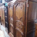 Ancienne armoire en chêne Louis XIV