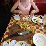 Richtig gesund ist anders, aber manchmal geht auch Pizza! ;-)
