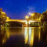 Camsdorfer Brücke in Jena am Abend