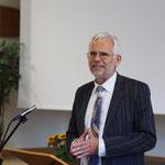 Pastor Hans-Otto Reling bei der Predigt