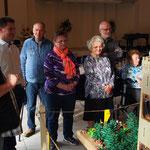Eröffnung der Ausstellung im Adventhaus durch Pastor Stefan Filter (links)
