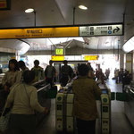 JR山手線高田馬場駅早稲田口改札でて右手に進みます