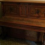 Gründerzeit-Klavier - vorher