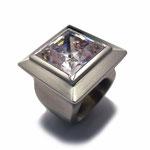 Ring in Silber mit dickem Cubic Zirkonia