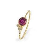 Feiner, kordierter Ring in Gelbgold 750/000 mit Rubin und Brillanten