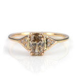 Schöner Verlobungsring in Roségold mit chamapgner-farbenem Diamant