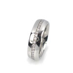 Klassiker: Massiver Ring in Platin 950/000, ringsum mit Vollschliff-Brillanten besetzt