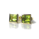 Ohrstecker in Gelbgold mit Peridot-Carrées