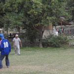 Match de foot après le trek