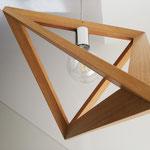 Lampadario tetraedrico in robinia