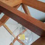 Particolare di dodecaedro rombico in faggio