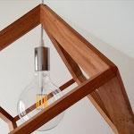 Particolare di lampadario cubico