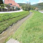 Mödringbach, im Bereich des DGH fotografiert am 07.08.2012, gegen 14:00. Man sieht, dass nicht mehr viel gefehlt hat dass der Bach über seine Ufer getreten wäre