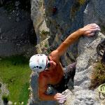 Ausstiegshenkel 3. Seillänge mit viel Luft unter den Füssen
