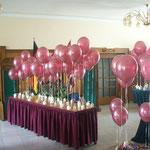 Einfache Heliumballons werten Give-aways deutlich auf und wirken äußerst dekorativ. Preis pro Ballon (unbedruckt, ca. 24 Stunden Schwebzeit): € 2,50