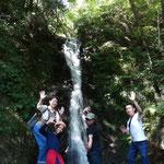 横野の滝にて記念撮影!