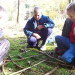 Les francas Fesches le Châtel automne 2009 jeux de société dans la forêt