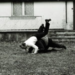 Möchte man fast nicht glauben: zwei Autoren raufen sich. Freundschaftlich. Hans-Joachim Köhnau und Walter Schnatz.1976.