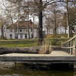 Blick vom Schwielowsee mit dem alten Bootssteg. April 2004.