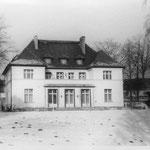 Das Haus im Schnee.