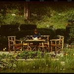 Sitzecke im Garten.  Von der Seeseite aus gesehen befand sie sich links neben dem Haus. 1971.
