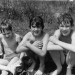 Petzow-Kinder Johannes Biskupek, Moritz Rosenlöcher und Robert Lucke im Mai 1985.
