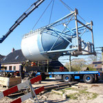 16 april: de betonsilo wordt afgevoerd