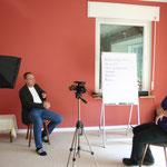 Wie wirke ich beim Interview? Kamera-Training, hier mit Jan Schmiedel www.coachmithut.de