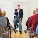 Intensiv und locker, auch dies sind Attribute der Workshops und Seminare von Tom Krause Training. Foto: Holger Siepmann