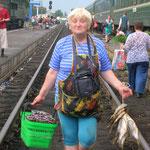 Vendeuse ambulante des Chemins de fer du Grand Nord, à l'été 2007