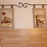Kleine Wandbilder mit Strandmotiven, mit Eisenstange, Dekoration mit Filzschnur und Muscheln