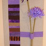 Wandbild auf Keilrahmen (hier 30 x 60 cm) gezogen mit Reagenzglas und Blumendeko - auch in Wunschfarben machbar!