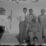 1929. Family picture in Monopoli (BA).