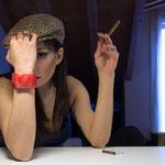Lilith fuma il sigaro...