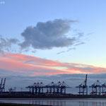 Blick auf den Containerhafen vom Imsumer Ochsenturm